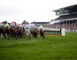Miljoenen wedden op paardenraces tijdens Cheltenham festival